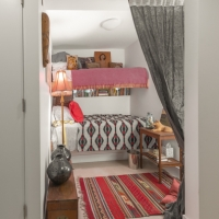 Bucktown Renovation for Two Artists: Guest bedroom