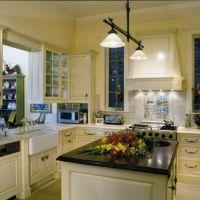 Chicago Greystone: Kitchen