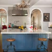 Roscoe village Rehab: Remodeled kitchen
