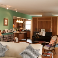 Teal House: Living room
